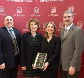 Karin Hinzer receiving the University of Ottawa Young Researcher Award (2016)